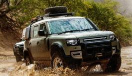 Nel deserto della Namibia con la Land Rover Defender