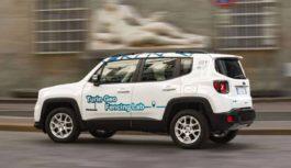 Jeep Renegade ibride tra le strade di Torino: la manovra di FCA