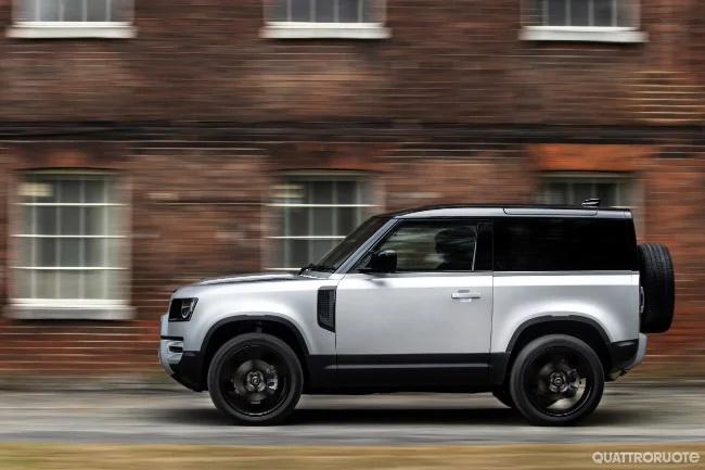 Land Rover Defender - La versione ibrida plug-in e tutte ...