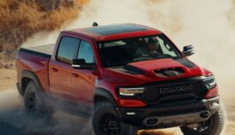 Ram 1500 TRX, il pick-up più potente del mondo arriva in Italia