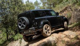 Land Rover Defender 110 – Al volante della V8 da 525 CV, la versione più potente